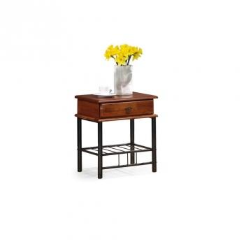 Drevený nočný stolík Maneto
