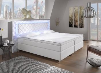 Čalúnená manželská posteľ Korina